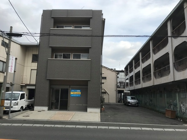 NS-3 (1・2階)倉庫兼事務所 メイン画像